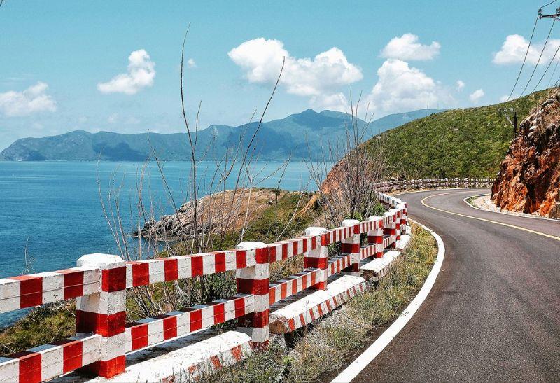 Đường ven biển Côn Đảo